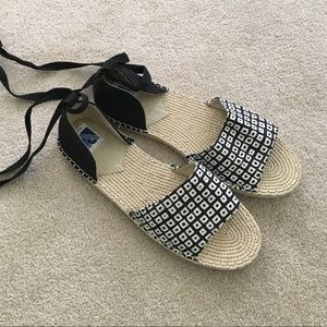 Shoes - Black and white espadrille sandals